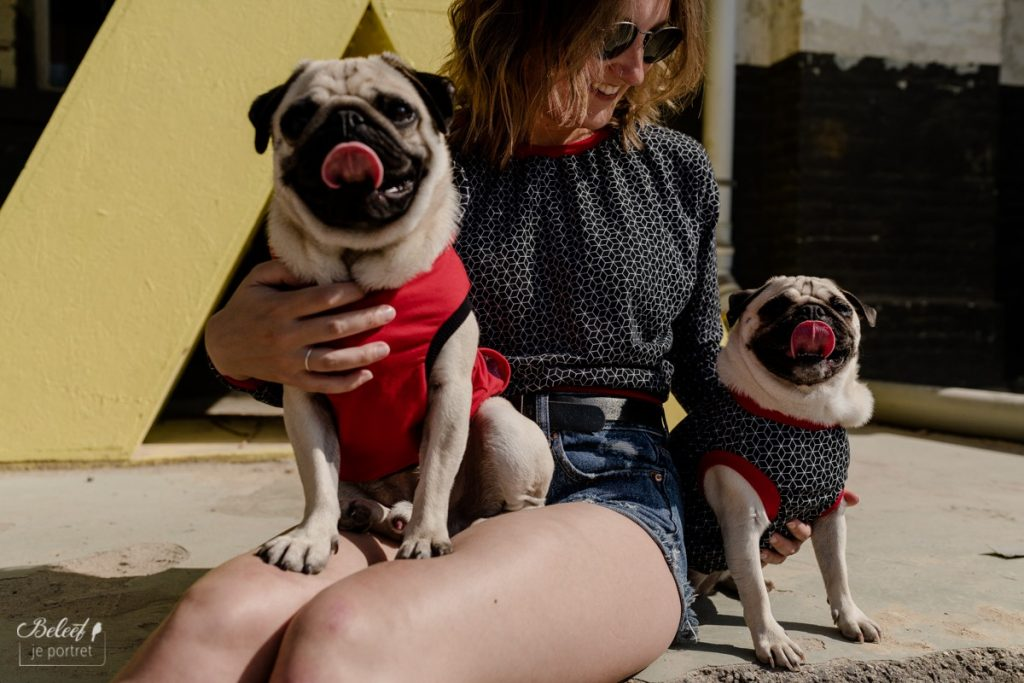 Matching outfit hond